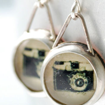 Vintage Camera Earrings, Fun Jewelry, Trendy Jewelry, Gift for Her Under 50, Bezel Earrings, Personalized Jewelry, Photographer Gift