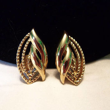 Trifari TM Earrings Vintage Textured Rope Shiny Gold Plate Designer Clip On 1 1/8""