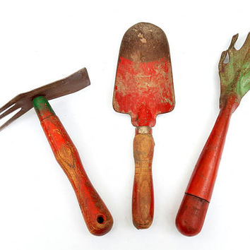 Vintage Garden Tools, Hand Trowel, Shovel, Claw, Red Green Rustic Farmhouse Christmas Garden Decor