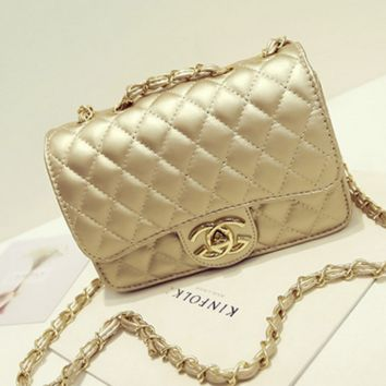 """""""Chanel""""Exquisite Lingge chain package ladies fashion package shoulder diagonal cross package Golden"""