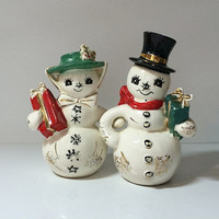 Norcrest Frosty the Snowman Wife Salt n Pepper Shaker Set Kitchenware Kitsch Shabby Mid Century Japan Vintage Christmas Perfection