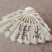 Fan Brooch Mother of Pearl MOP Hand Carved Asian Vintage 112014RC