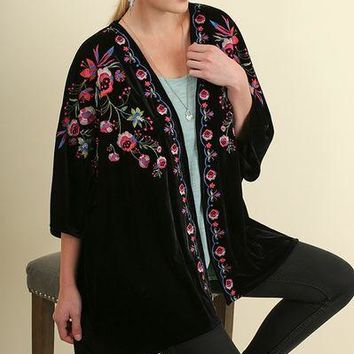 Umgee PLUS open front velvet kimono with embroidered details