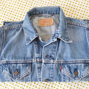 levis jacket for woman size M, girl gift, christmas gift, woman gift