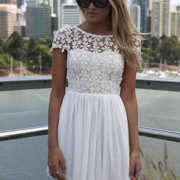Fashion Women Summer Lace Dress Crochet Embroidered Patchwork Girl Pleated Tulle Chiffon Lace Backless Party Club Dresses