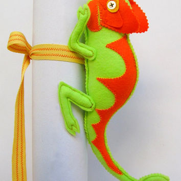 Chameleon  curtain tiebacks huggers back to school decor nursery curtain belts