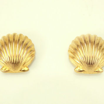 Scallop Shell Gold Plated Magnetic Earrings High Dome 9 mm