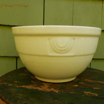 Vintage Hall Pottery Mixing Bowl in a Creamy White Color with a Deco Design