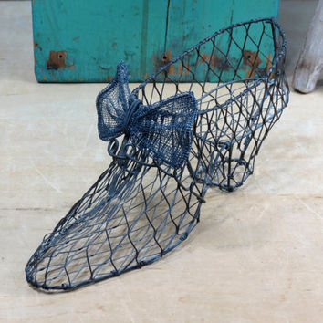 Wire Shoe Floral Form . Victorian Style . Topiary Frame . Perfect for Succulents
