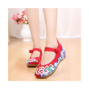 Old Beijing Cloth Red Embroidered Shoes for Women Online in National Style with Beautiful Floral Designs