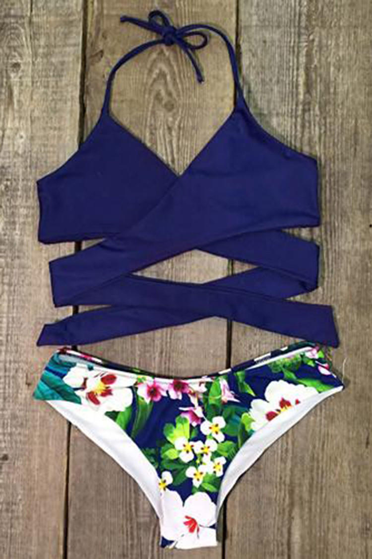 6ab458b0f8f22 Cupshe Made the Cross Floral Bikini Set from Cupshe
