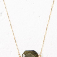Faux Stone Shortline Necklace   Forever 21 - 1000179381