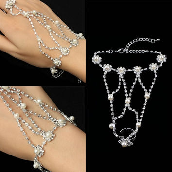 YK Silver Pearl Rhinestone Bracelet Chain Slave Hand Ring Wedding Bride Party Dance RY (Color: Silver)