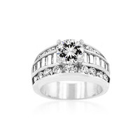 Luxurious Engagement Ring, size : 07