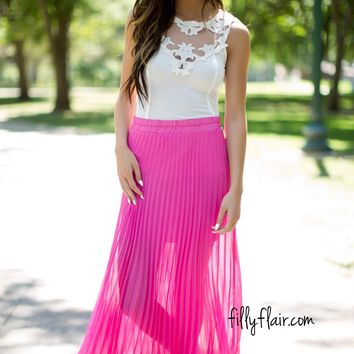 Wind Chaser Pleated Skirt in Pink