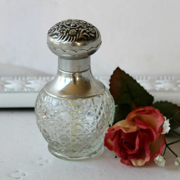 "Vintage Avon Bottle ""Elusive"" Spray Mist , Avon Collectible Bottle (Empty) Victorian Style , Pressed Glass and Faux Silver Top , Holds 2 oz"
