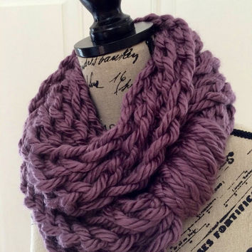 Chunky Crochet Infinity Scarf in handmade- /REISK LONG/Lavender- Long Chunky Chain Double Loop Circle Infinity Scarf