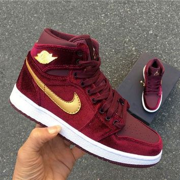 NIKE AIR JORDAN 1 RETRO GS Women's Shoe