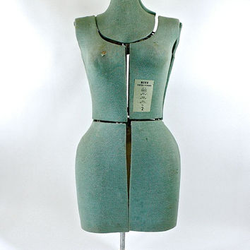 Vintage Dress Form / Vintage Rite Dress Form Size 2-Adjustable Height