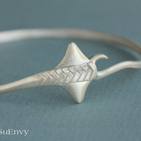 Ready to ship, Large size, Sting Ray Bangle in Sterling Silver, Manta Ray bracelet in sterling silver