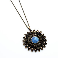 Sun-kissed long necklace