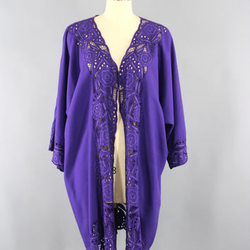 Vintage Kimono Robe / Bali Cutwork / Wrapper Dressing Gown Wedding Loungewear / Purple Floral Embroidery