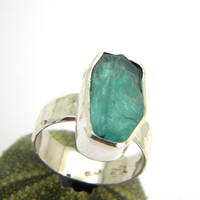 Apatite ring sterling silver rough -raw- hand made ring - hammered band, statement ring size 7
