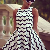 Black and White Wave Pattern Fashion Vest Dress
