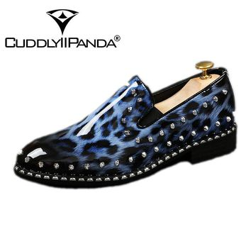CUDDLYIIPANDA Men Fashion Sneakers New Arrival Men Smoking Slippers Rivets Bling Men Laofers Men Party and Prom Shoes
