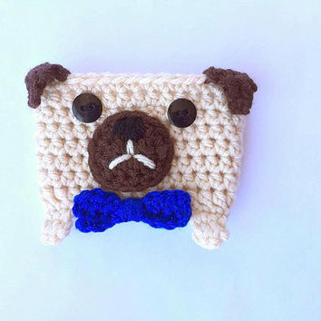 Crochet Pug Coffee Cozy // Pug Coffee Cozy with Bow Tie // Cup Cozy // Coffee Cozy // Crochet Coffee Cozy // Pug Coffee Cozy / Coffee Sleeve