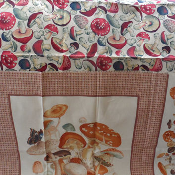 VINTAGE 100 Percent Cotton Fabric/Mushroom Prints/Unknown Manufacturer/1990s Mushroom Print with 2 Panels and Border Print/Great 4 Kitchens