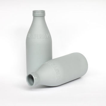 porcelain replica vintage milk bottle (concrete)