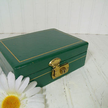 Vintage Christmas Green Leather Jewelry Box with Original Key - Retro Mele Style Display Case with Gold Tooling Trim & Yellow Linen Interior