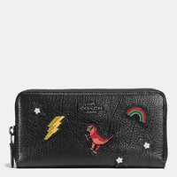 Accordion Zip Wallet in Grain Leather With Souvenir Embroidery
