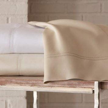 Virtuoso Sheeting Duvet and Shams by Peacock Alley