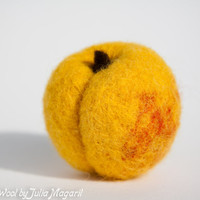 Play food apricot. Educational toy. Kitchen decor. Waldorf. Handmade. Needle felted. 100% wool.