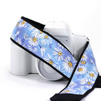 Daisy dSLR Camera Strap, Camera Neck Strap, Replaces Canon or Nikon strap, Pocket and Quick Release options, Blue, Aqua, Daisy, Floral, 78 w
