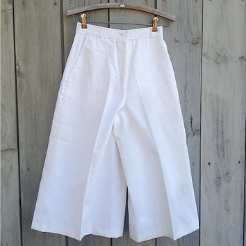 Vintage culottes | Harve Benard white wide leg cropped pants