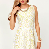 Daisy'd and Infused Yellow and White Lace Dress