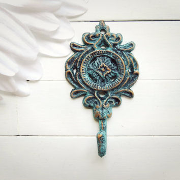 Shabby Chic Cast Iron Wall Hook / Bronze Decor / Metal Hook / French Country Decor / Ornate / Cottage Chic / Gift Ideas / Entry Way Hook