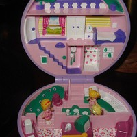 Polly Pocket was my homegirl. Totally had this one.