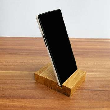 iPhone stand. Wooden iPhone Stand. Oak iPhone Dock. iPod wood stand. Lg G2 Stand
