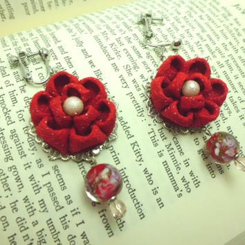 Red kanzashi flower dangle earrings made of vintage kimono fabric flower earrings with lamp work glass beads, upcycled, OOAK