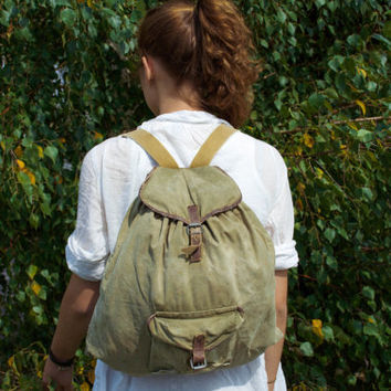 Vintage Hiking Rucksack / Soviet Travel Rustic Khaki Canvas Backpack, Real Leather Straps / Small Rustic Camping / Scout / USSR Explorer Bag