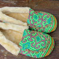 Womens Slippers Moccasin Style Ethnic Hmong Green Embroidery With Plush Lining Gift