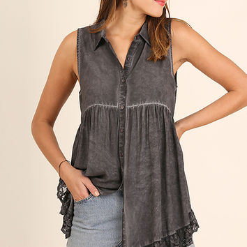 Umgee Ash Washed Sleeveless Button Up Tunic with Lace Trim