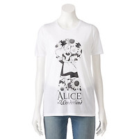 Disney's Juniors' Alice in Wonderland Keyhole Graphic Tee