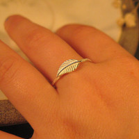 Leaf ring sterling silver, stackable ring. nature inspired jewelry