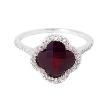 Garnet Clover Ring with Diamonds