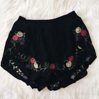 Floral Embroidered Shorts (Black)